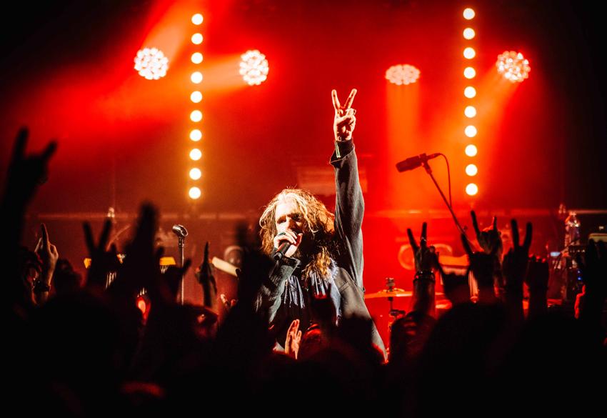 The-Dead-Daisies-live-John-Corabi-OH-TDD-11-12-16-4